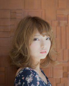 【愛され女子はミディアムスタイル!】リラクシーなミックスカール